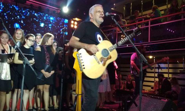 Συναυλία μαθητών του «ΡΟΔΙΩΝ ΠΑΙΔΕΙΑ» με τον Νίκο Πορτοκάλογλου