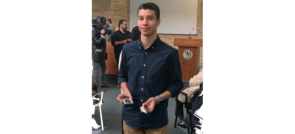 Βραβεύτηκε με χάλκινο μετάλλιο ο Γιώργος Κοντός, μαθητής των Εκπαιδευτηρίων «ΡΟΔΙΩΝ ΠΑΙΔΕΙΑ», στην Εθνική Μαθηματική Ολυμπιάδα