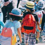 Επιστροφή στο σχολείο με μάσκα: Μόνο ταλαιπωρία ή και ευκαιρία;
